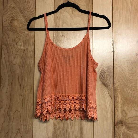 🎀3/$25 Forever 21 crochet bottom tank